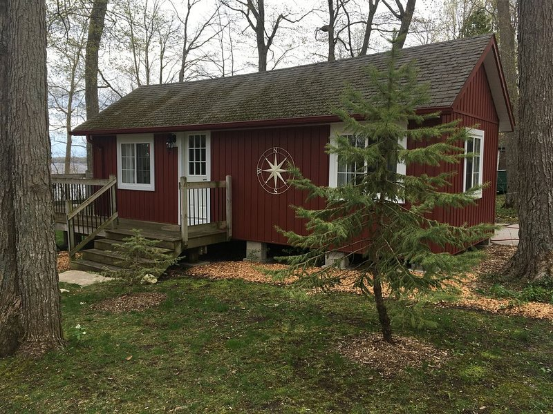 Lake Breeze Sweet for Two, holiday rental in Kawartha Lakes