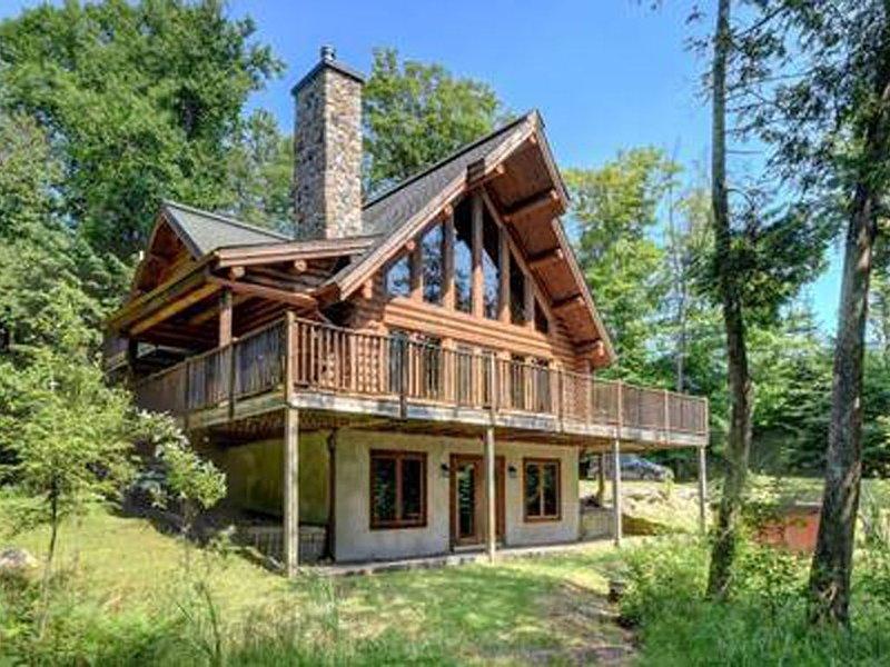 Luxury lodge near Mont Tremblant, vakantiewoning in Nominingue