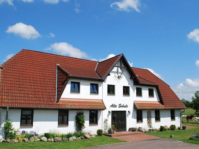Ferienwohnung Dargun für 1 - 3 Personen mit 2 Schlafzimmern - Ferienwohnung, location de vacances à Kummerow
