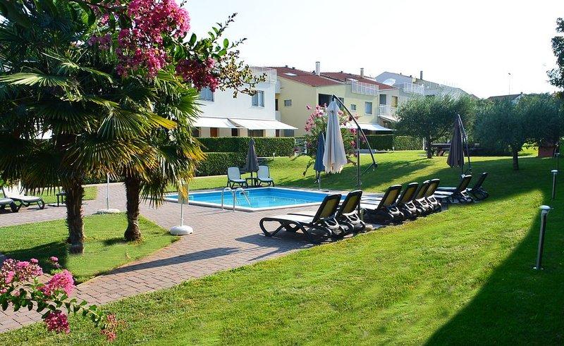 Ferienwohnung Porec für 1 - 6 Personen mit 3 Schlafzimmern - Ferienwohnung, holiday rental in Veli Maj