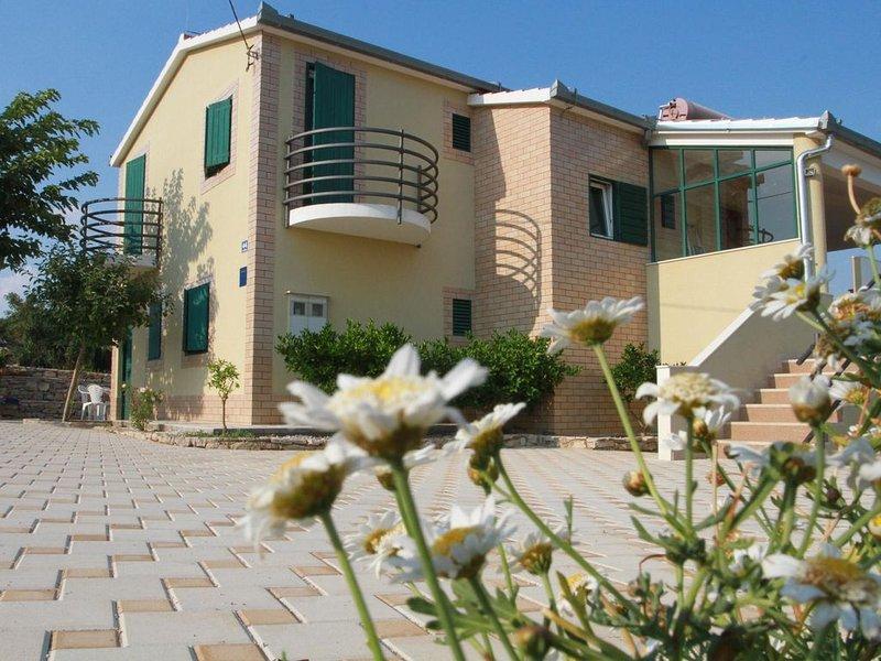 Ferienhaus Grohote für 2 - 14 Personen mit 6 Schlafzimmern - Ferienhaus, holiday rental in Grohote