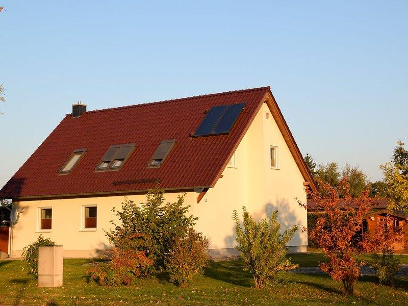 Ferienhaus Tribsees für 1 - 8 Personen mit 4 Schlafzimmern - Ferienhaus, vacation rental in Semlow