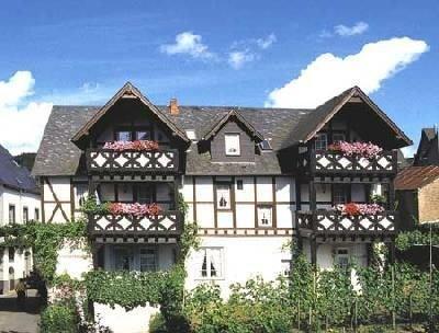 Ferienwohnung Ernst für 2 - 4 Personen mit 2 Schlafzimmern - Ferienwohnung, holiday rental in Lieg