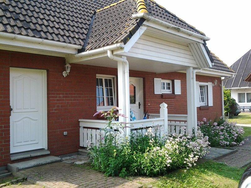 Ferienhaus Klockenhagen für 1 - 12 Personen mit 5 Schlafzimmern - Ferienhaus, holiday rental in Klockenhagen