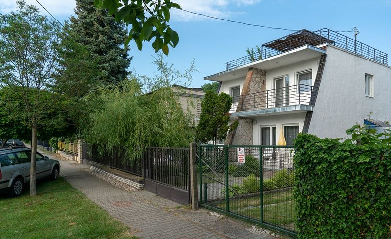 Ferienhaus Szántód für 2 - 6 Personen mit 2 Schlafzimmern - Ferienhaus, holiday rental in Zamardi