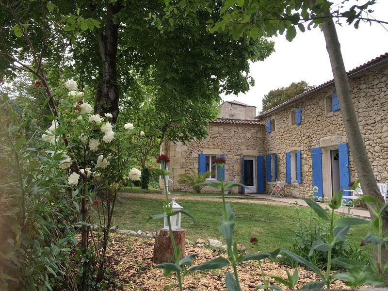 Ferienhaus Pujols für 1 - 4 Personen mit 1 Schlafzimmer - Ferienhaus, vacation rental in Saint-Jean-de-Blaignac