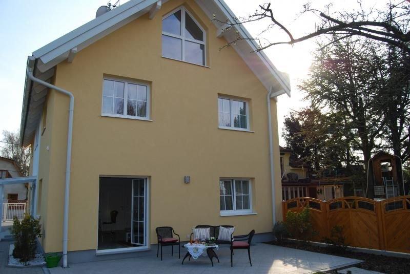 Ferienwohnung Wien für 1 - 4 Personen mit 1 Schlafzimmer - Ferienwohnung, holiday rental in Gerasdorf bei Wien