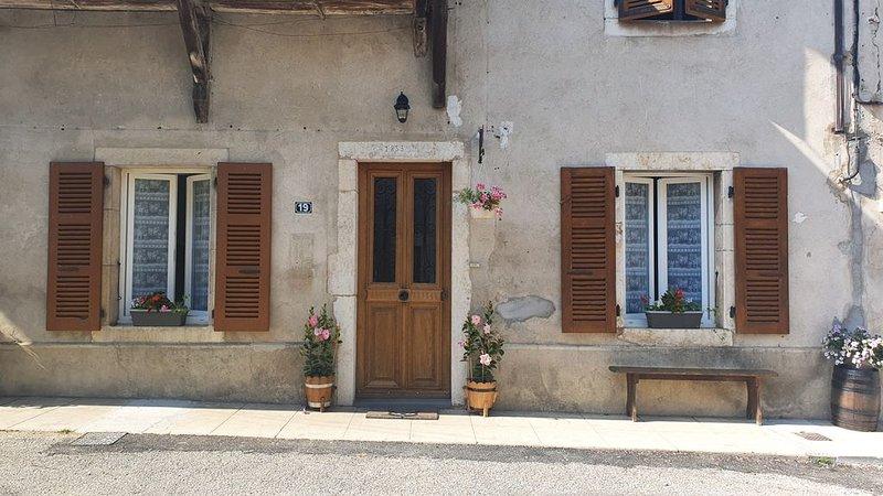 Gîte ' Aux Portes Du Marais ' 4/5 Personnes  3 *, location de vacances à Artemare