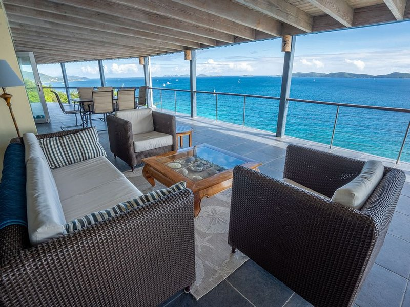 Breathtaking  views , Jacuzzi , open plan house , 5 min to Nanny Cay Beach & Bar, holiday rental in Carrot Bay
