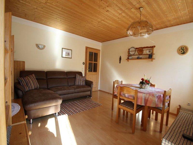 Ferienwohnung Bauernhaus, 55 qm Obergeschoss, 1 separates Schlafzimmer – semesterbostad i Prien am Chiemsee
