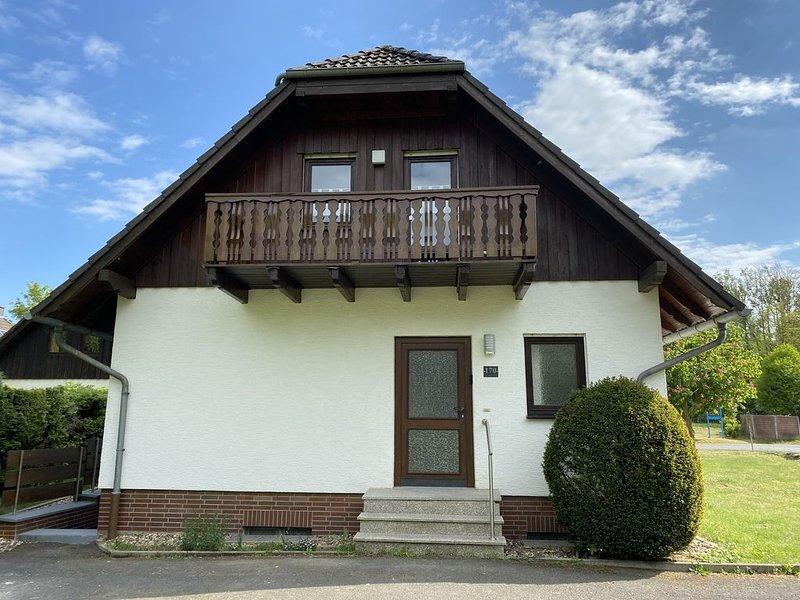 Modernes Landhaus für 10 Personen + 1 Kleinkind, casa vacanza a Frielendorf
