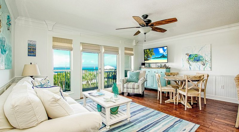 Gulf Place Premier Top Floor Unit,  beautifully maintained , Upscale Furnishings, vacation rental in Santa Rosa Beach