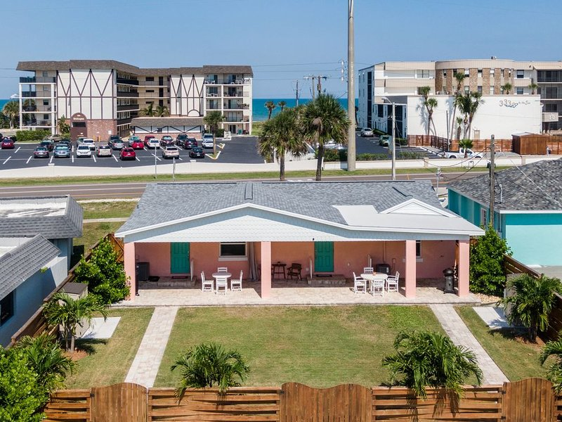 Single Family 3/2 with beach access 100 yds-, vacation rental in Merritt Island