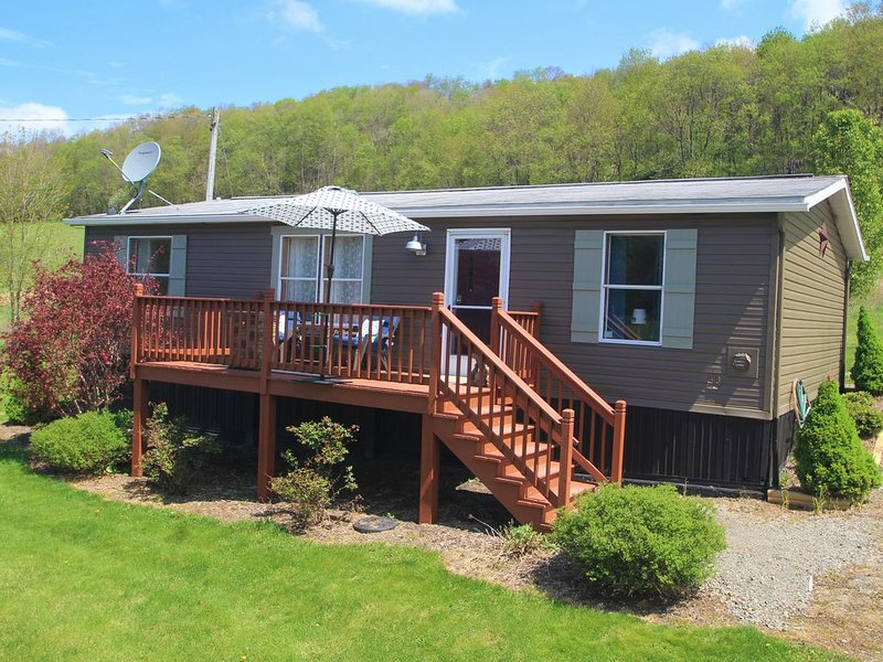 Paddlington Bear Cottage---Quick Access to Water, Sunsets and Ski Resorts Await, vacation rental in Confluence