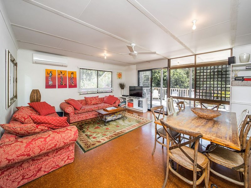 'Zanzibar' - hosted by North Coast Lifestyle Properties, holiday rental in The Pocket