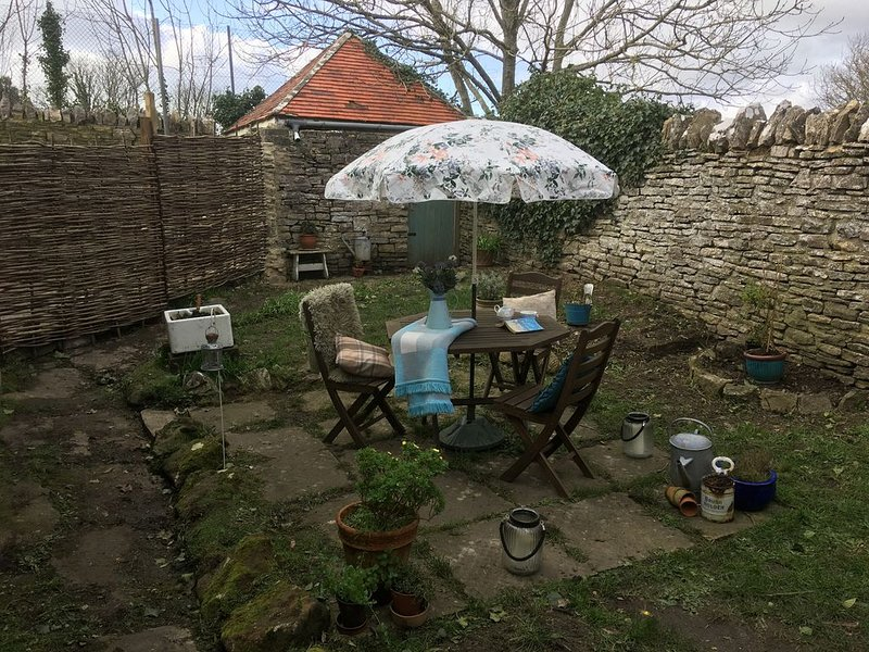 A Stylish Dog Friendly Annex in a tranquil setting minutes from Swanage beach, location de vacances à Isle of Purbeck