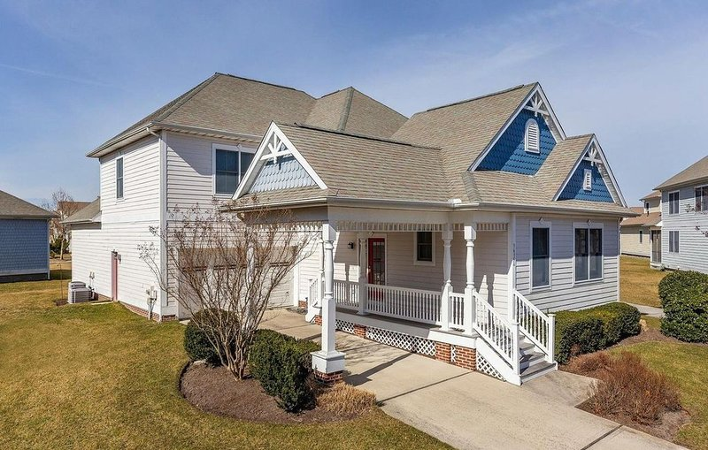Beach and Golf Vacation Home in Award-Winning Bayside Community, vacation rental in Fenwick Island