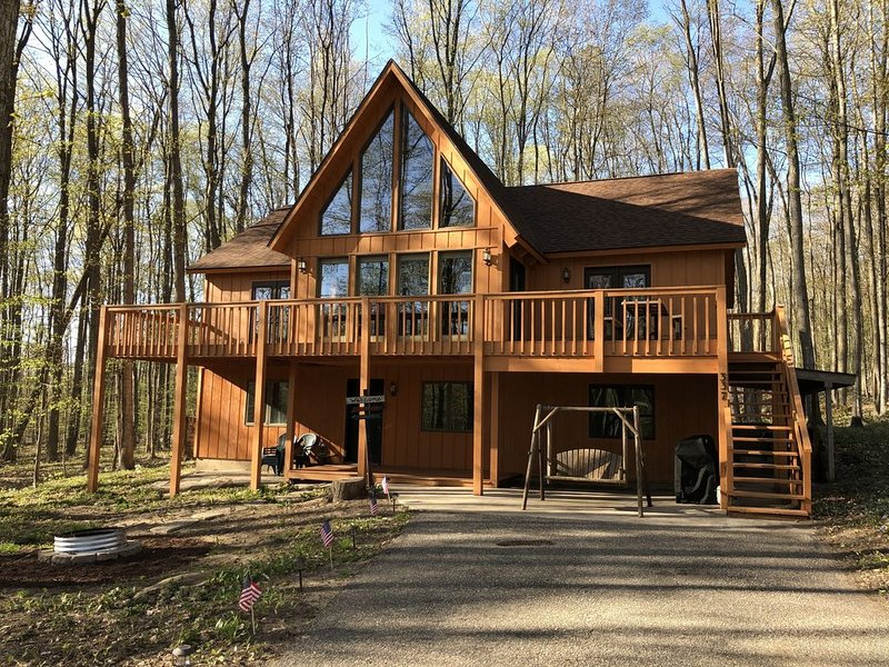 Beautifully Furnished Cottage with Indoor Sauna, location de vacances à Harbor Springs