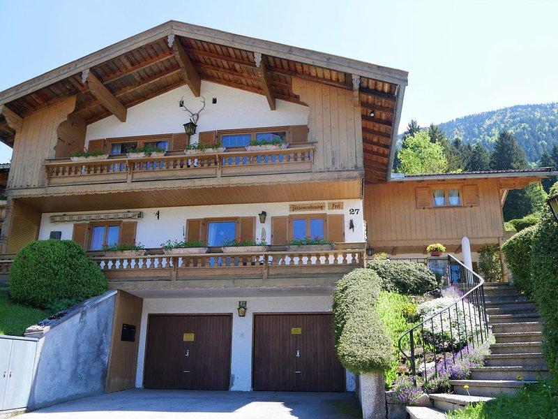 Ferienwohnung Schlichtner 80 qm 2 Schlafzimmer mit Terrasse und Balkon, location de vacances à Miesbach