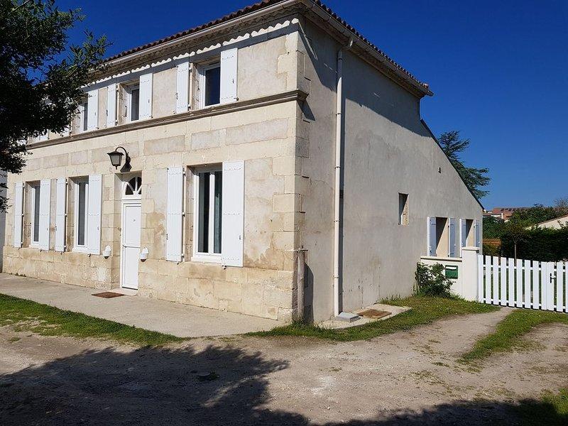 Maison Les Mathes / La Palmyre  proche des commerces 14 -16 pers classée ****, location de vacances à Les Mathes