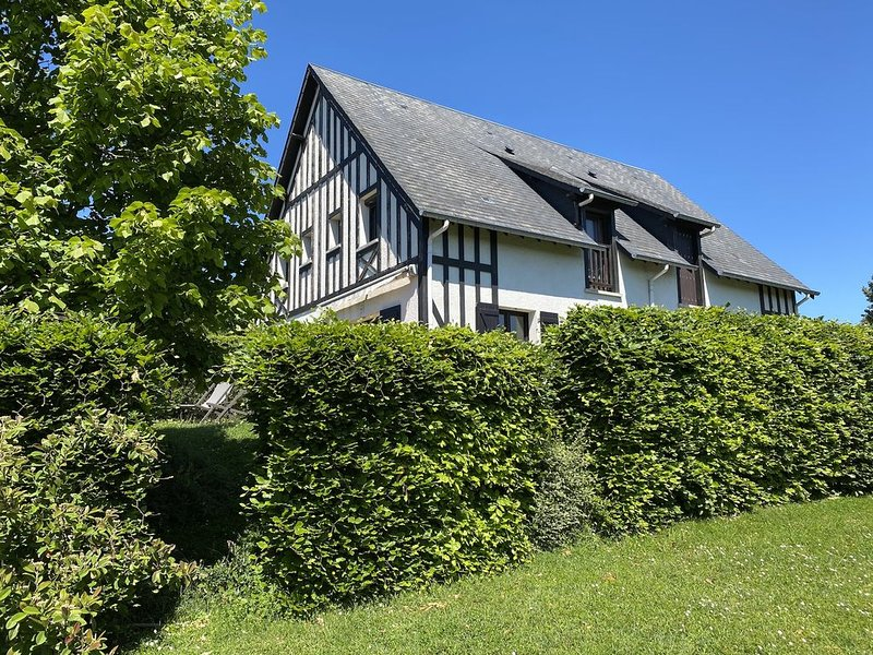 Houlgate : Cottage 4 personnes, 2 chambres, jardin et terrasse, holiday rental in Dozule