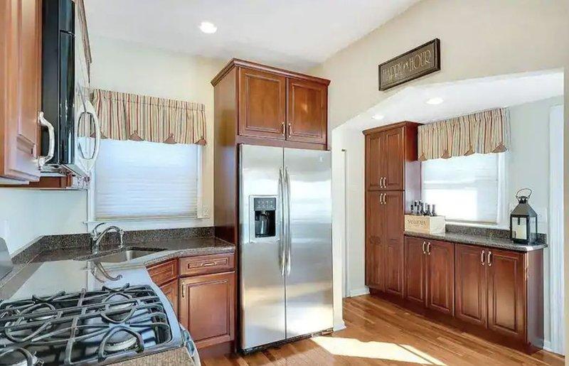 Belmar Retreat - Entire House - Walking Distance to Beach, vacation rental in Belmar