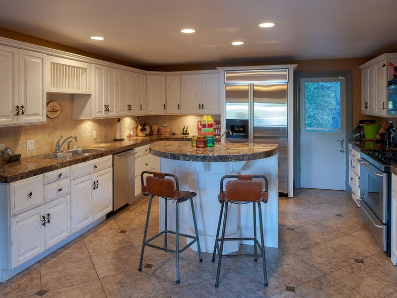 Lake Arrowhead, CA - Beautiful Lake front cabin, holiday rental in Victorville