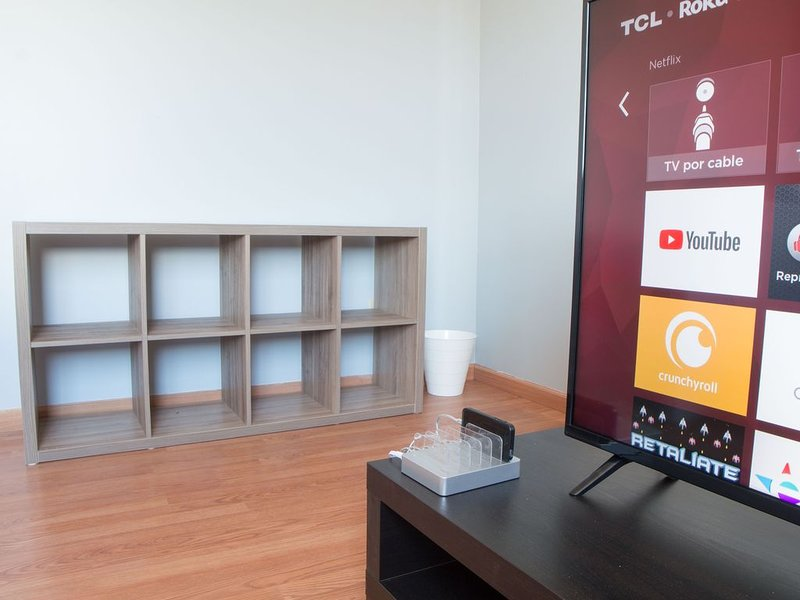 Estudio 2 pisos 1 min UABC 4 min Aeropuerto y E.U., vacation rental in Tijuana