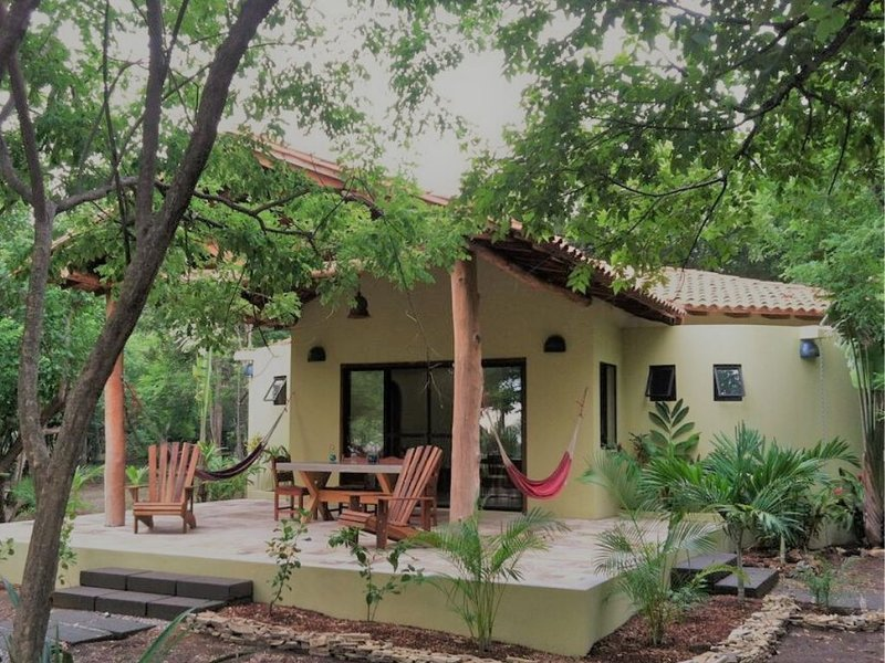 Casa Tranquila - Relax in our beachfront home, vacation rental in Managua Department