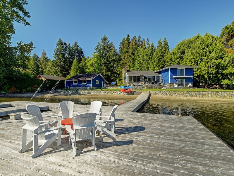Luxurious Lake House Estate, holiday rental in Cowichan Valley Regional District