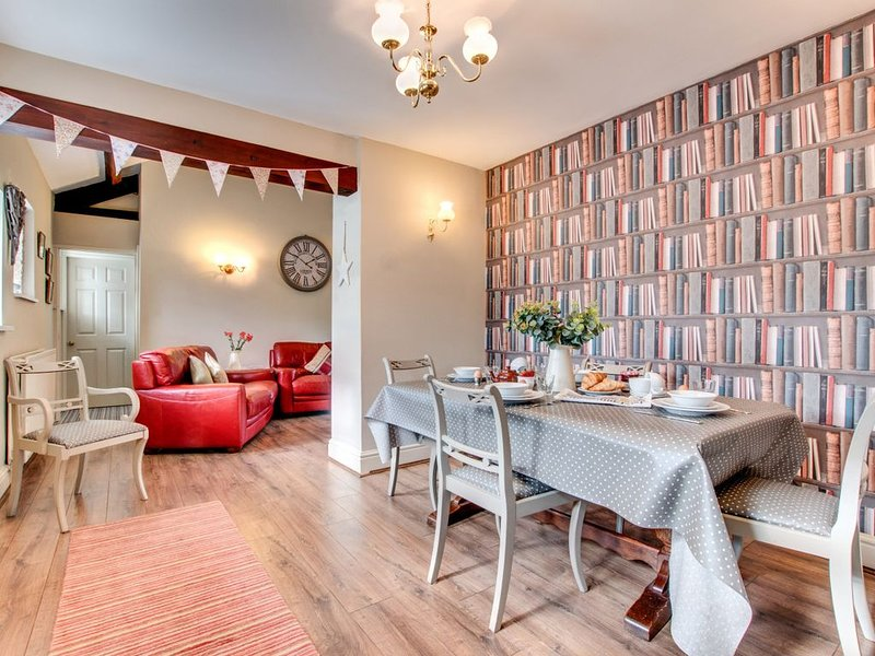 Kingfisher Cottage - Three Bedroom House, Sleeps 5, holiday rental in Summerbridge