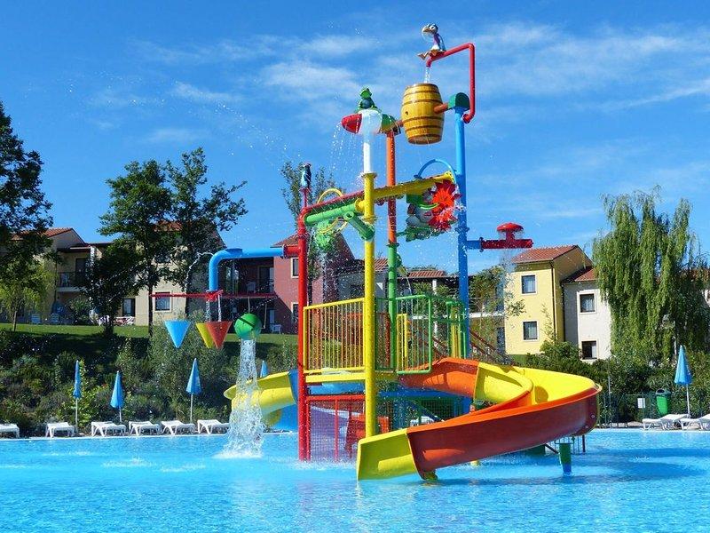 Ferienwohnung - 4 Personen*, 35m² Wohnfläche, 2 Schlafzimmer, Internet/WIFI, holiday rental in Castelnuovo del Garda
