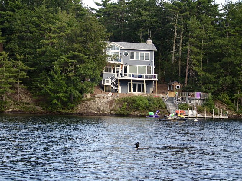 Brand New Craftsman Style Waterfront Home, Hanson Cove, Moultonborough, vacation rental in Moultonborough