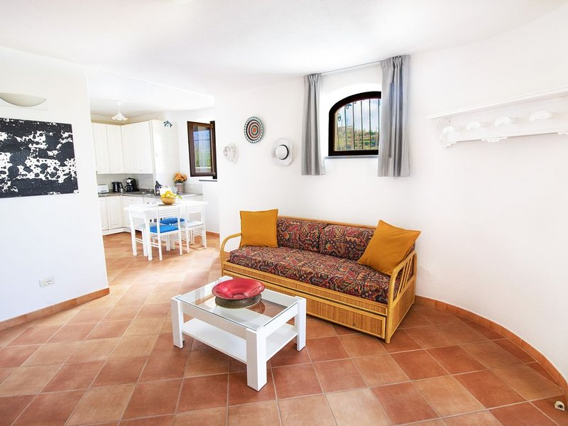 NIDO: comfort apartment with sea-sunset view, surrounded by nature in Ischia, vakantiewoning in Serrara Fontana