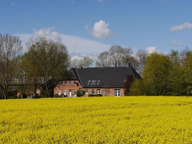 FeWo auf Bauernhof in unmittelbarer Nähe zur Ostsee, alquiler vacacional en Gross Wittensee