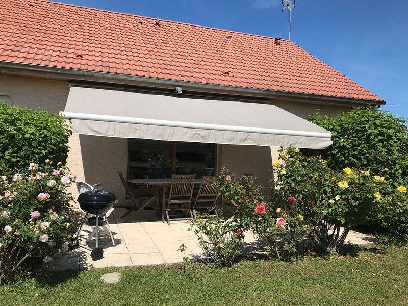 Très jolie maison individuelle  de 110 m2 en Bourgogne proche Jura, holiday rental in Dole