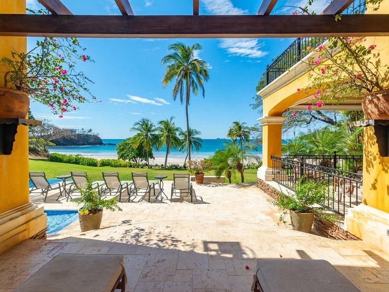 Mediterranean-style Flamingo mansion offers the ultimate in beachfront luxury, alquiler de vacaciones en Playa Flamingo