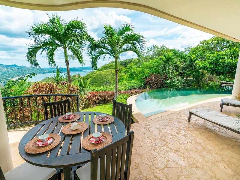 Hacienda-style villa with pool and sweeping ocean views in hills above Potrero, Ferienwohnung in Las Catalinas