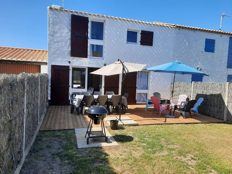 Maison charmante...., vacation rental in Barbatre