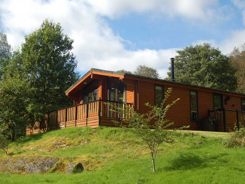 Luxury Woodland Oak Lodge, location de vacances à Loch Tay