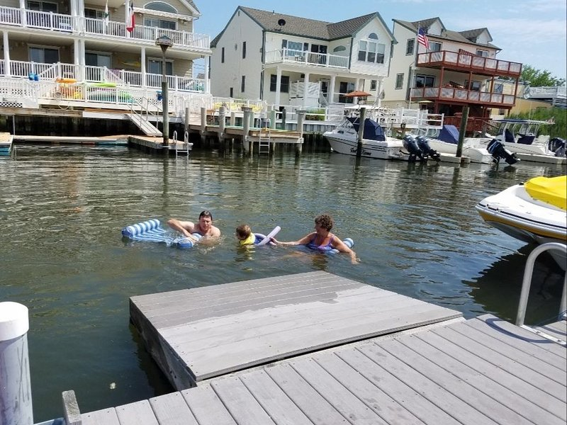 Bay Front Property in Walking Distance to the Beach and Local Ammenities, holiday rental in Sea Isle City