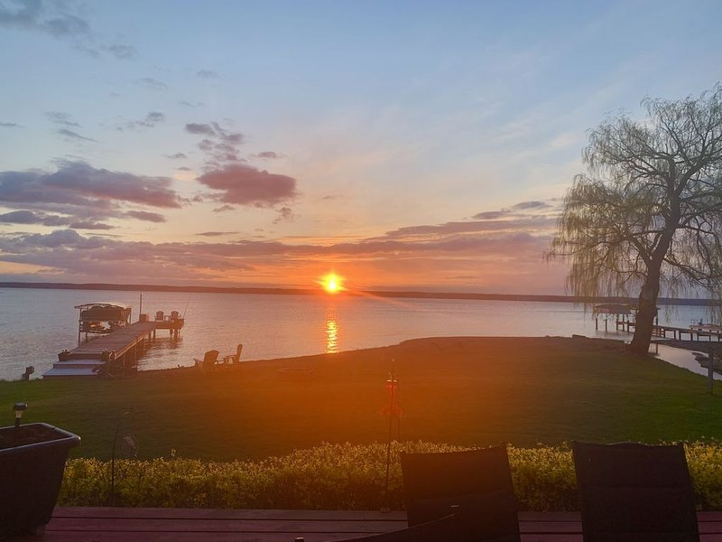 Breathtaking sunsets, vacation rental in Romulus