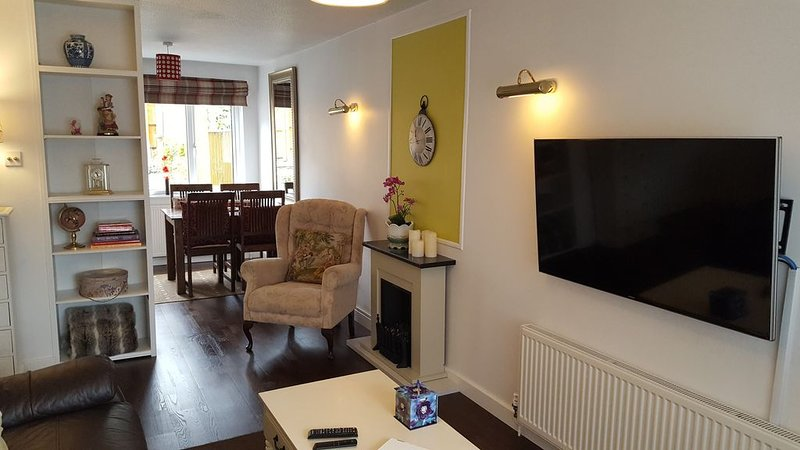 Comfortable and Private House, 2 Bed, Central, Parking, holiday rental in Shellingford
