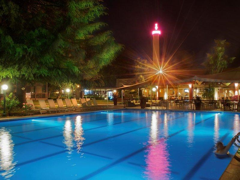 Make Flamingo Resort your new home!, location de vacances à Santa Rosa