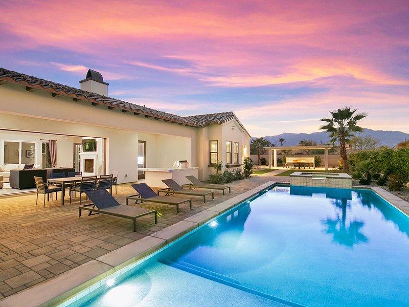 'Buena Vista' Desert Fun w/ Pool, Firepit & Putting Green, holiday rental in Thousand Palms