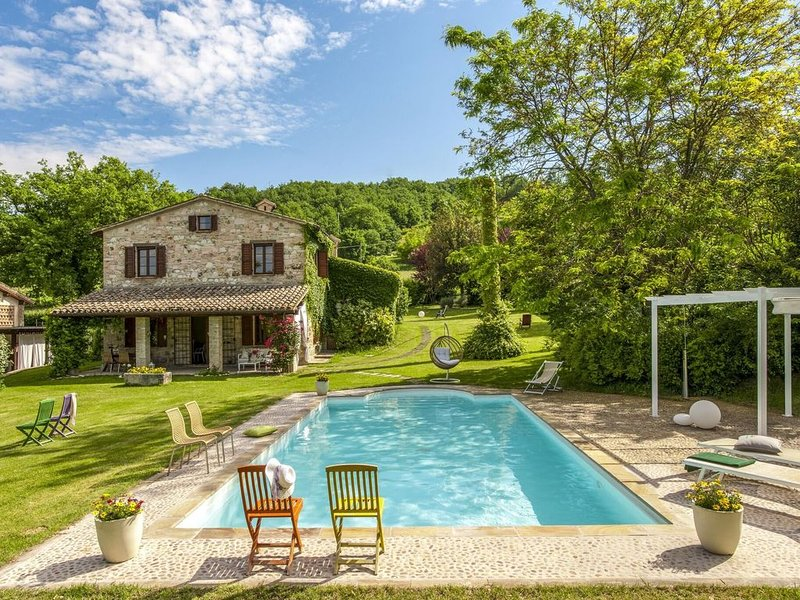 Charming Villa in Melle with Swimming Pool, aluguéis de temporada em Cantiano