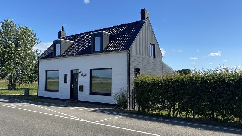 6-Personen-Ferienhaus in Zuidzande, vacation rental in Oostburg