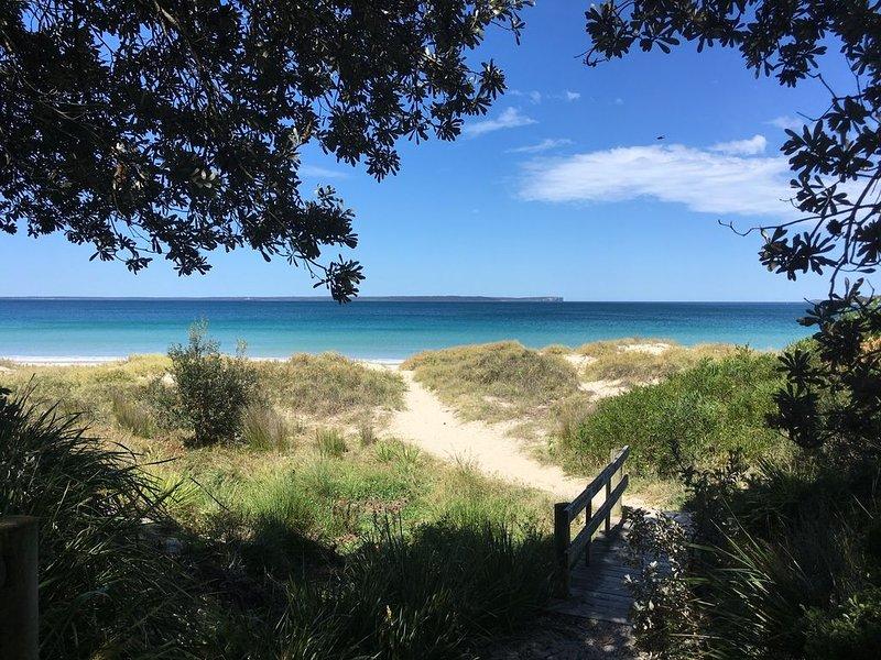 300 meters to beach!, location de vacances à Vincentia