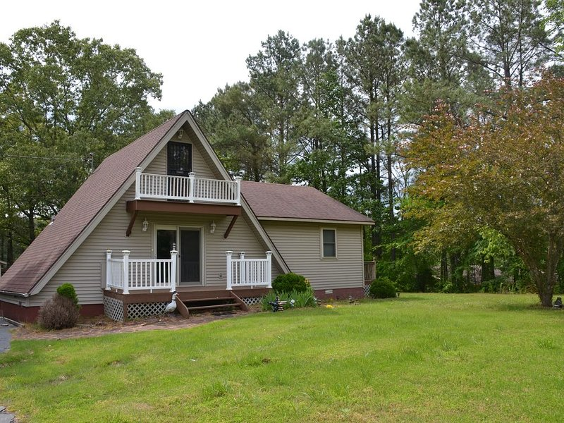A-Frame cottage near gorgeous Kentucky Lake, vacation rental in Aurora