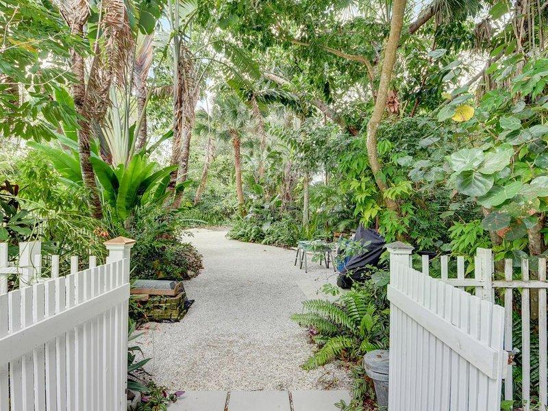 Hidden Tropical Oasis, holiday rental in Port Salerno